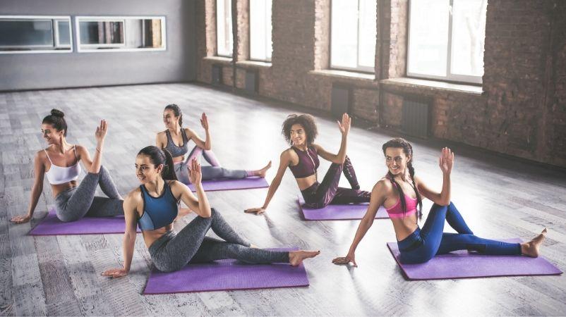 actividades en grupo yoga
